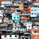 """Conferencia Internacional """"Hacer esperar, violar la ley: la experiencia del Estado en comunidades marginales en América Latina""""."""